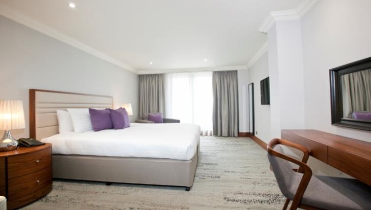 Cosy bedroom at Sanctum Maida Vale - Citybase Apartments