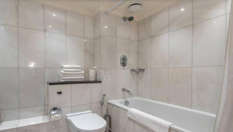 Stylish bathroom at Sanctum Maida Vale - Citybase Apartments