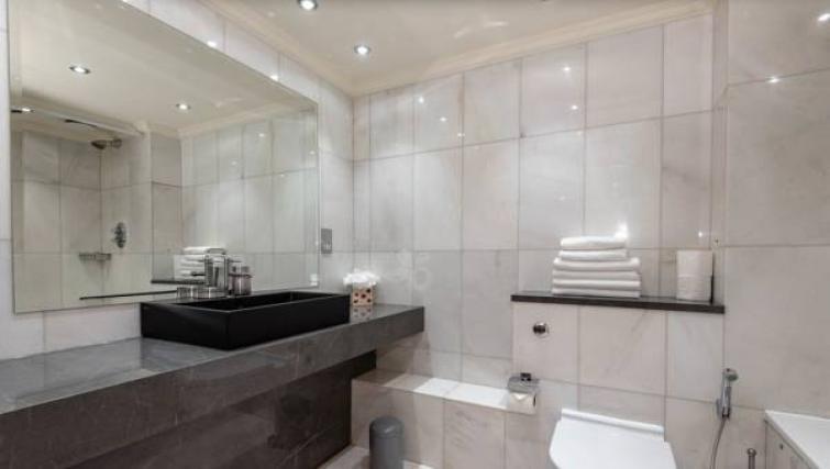 Chic bathroom at Sanctum Maida Vale - Citybase Apartments