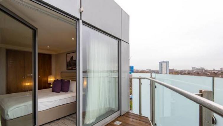 Private balcony at Sanctum Maida Vale - Citybase Apartments
