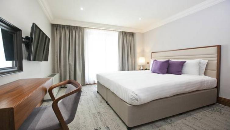 Cosy bed at Sanctum Maida Vale - Citybase Apartments