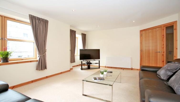 Living area at Willowbank Road Apartments - Citybase Apartments