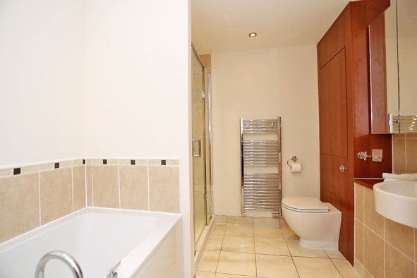 Bathroom at Kepplestone Apartments - Citybase Apartments