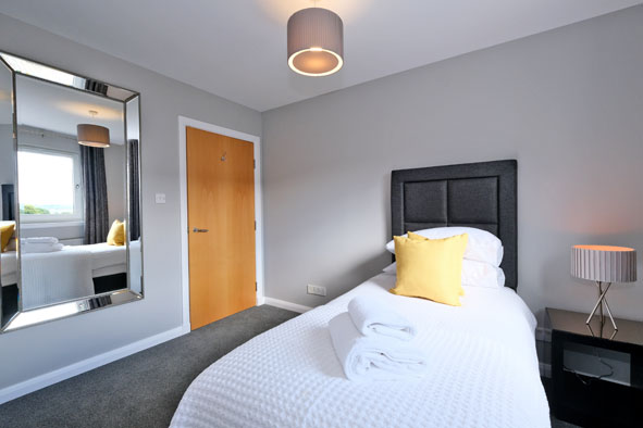 Single bedroom at Kepplestone Apartments, Mannofield, Aberdeen - Citybase Apartments