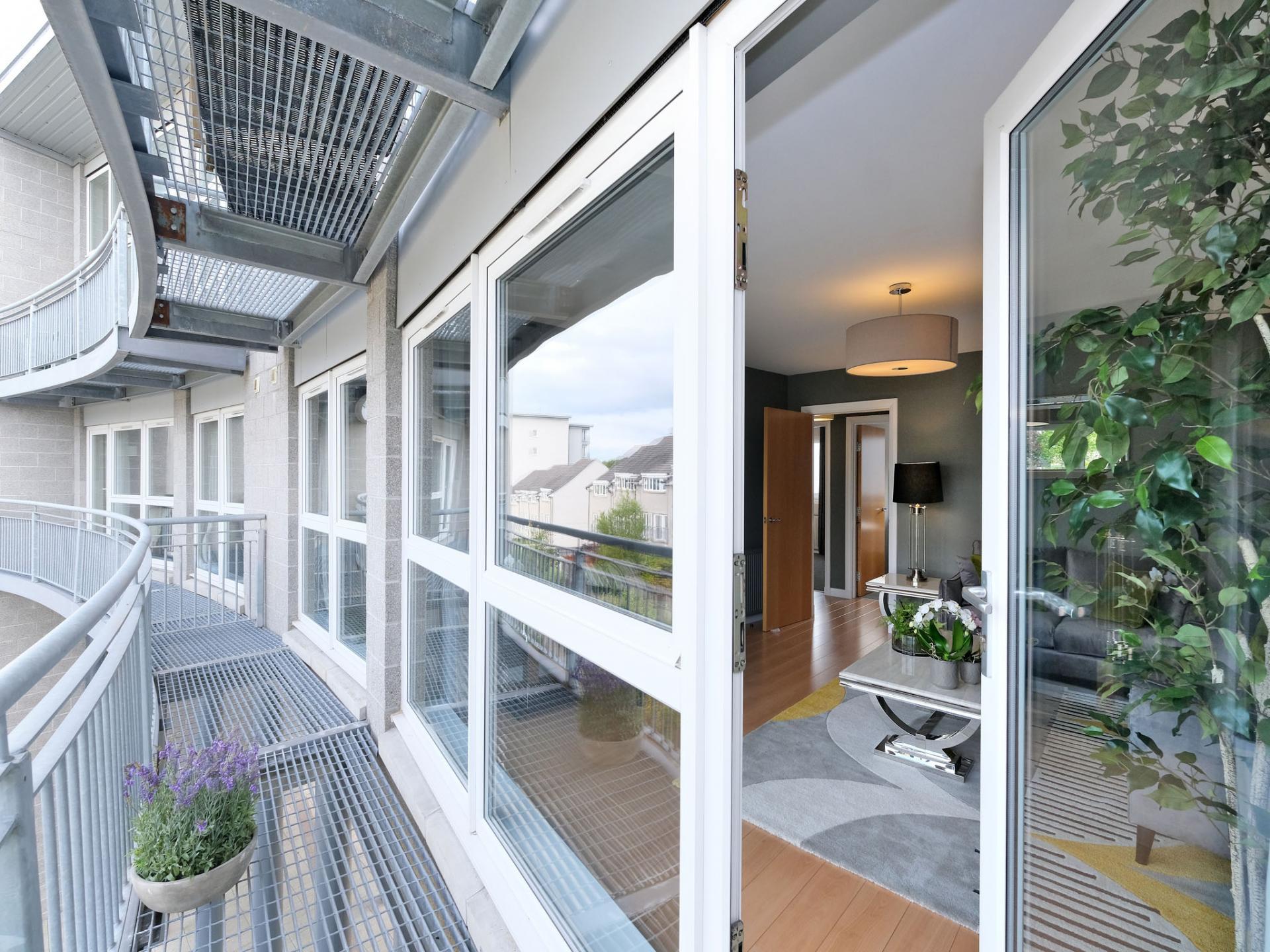 Balcony at Kepplestone Apartments, Mannofield, Aberdeen - Citybase Apartments