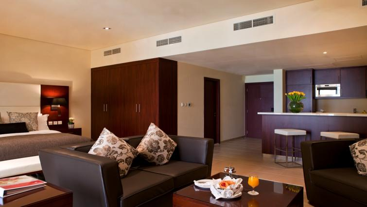 Deluxe studio at Ramada Plaza Jumeirah Beach - Citybase Apartments