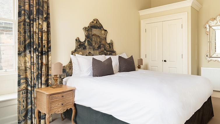 Luxurious bedroom at The Rutland Residence - Citybase Apartments