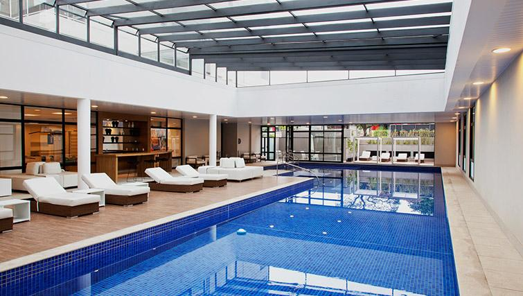 Pool at DNA Pinheiros by Q Apartments - Citybase Apartments