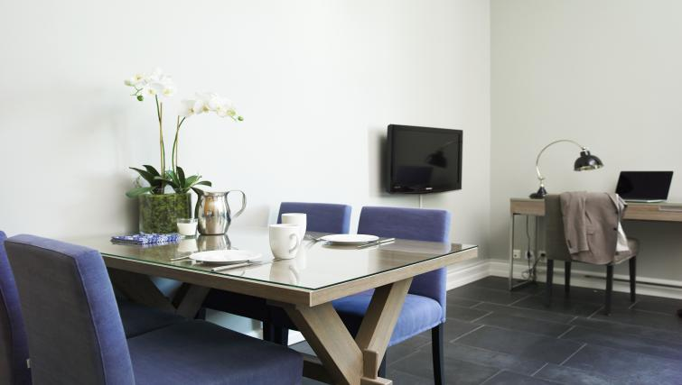 Dining table at Colbjornsensgate Apartments - Citybase Apartments