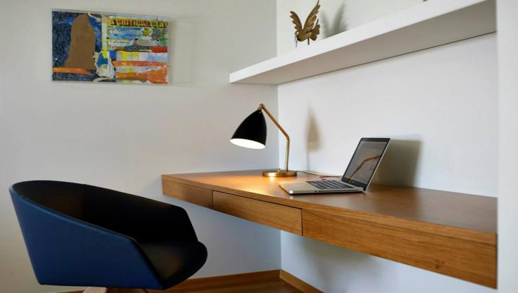 Work desk at Scale Suites Luxury Residence - Citybase Apartments