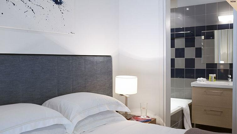 Bedroom at Scale Suites Luxury Residence - Citybase Apartments