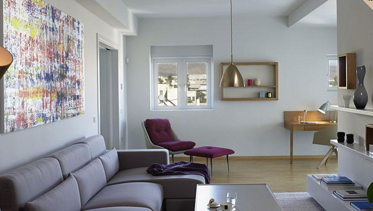 Modern living area at Scale Suites Luxury Residence - Citybase Apartments