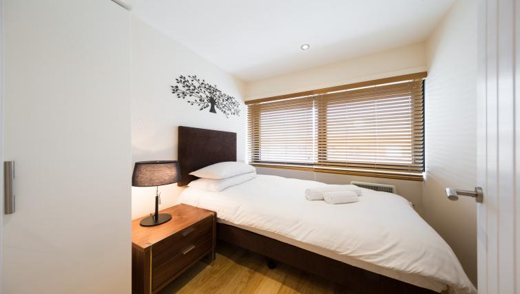 Bedroom at Morris Suites - Citybase Apartments