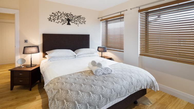 Double bed at Morris Suites - Citybase Apartments