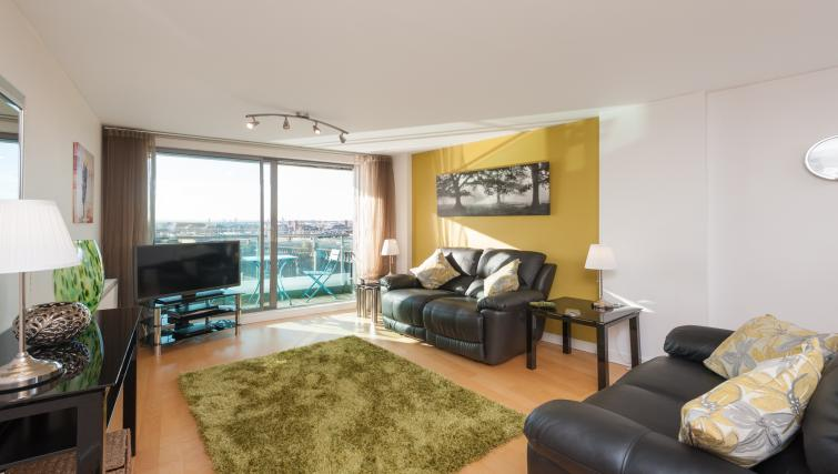 Living room at Vantage Apartment - Citybase Apartments
