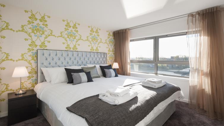 Double bedroom at Vantage Apartment - Citybase Apartments