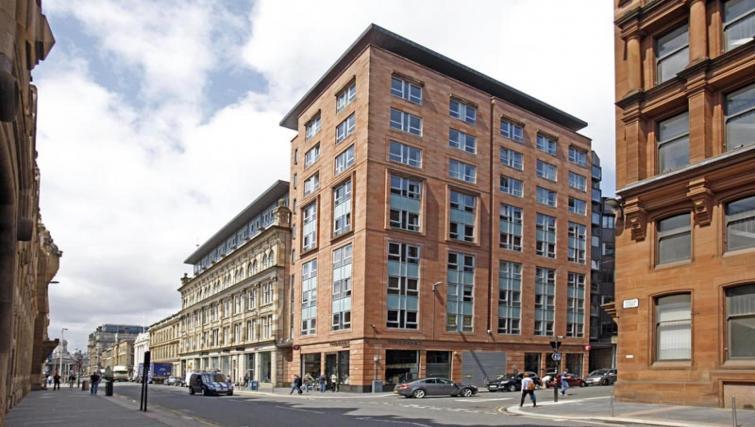 Exterior of Ingram Street Apartments - Citybase Apartments