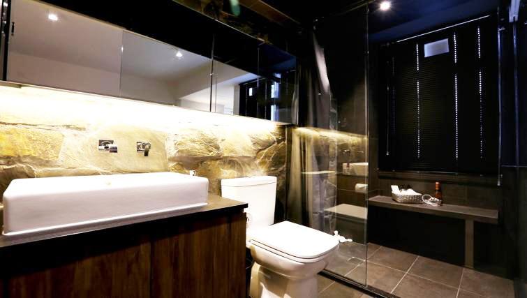 Bathroom at Mori Mori Serviced Apartments - Citybase Apartments