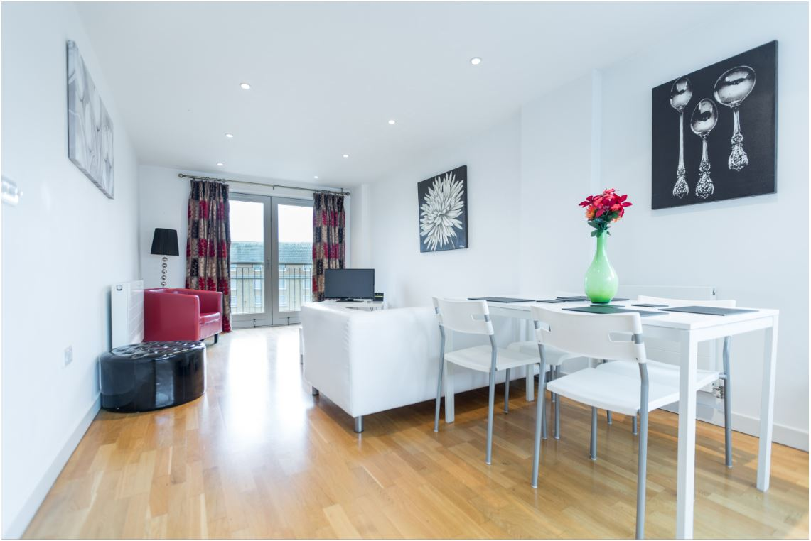 Dining area at Castle Quay Apartments, Centre, Bedford - Citybase Apartments