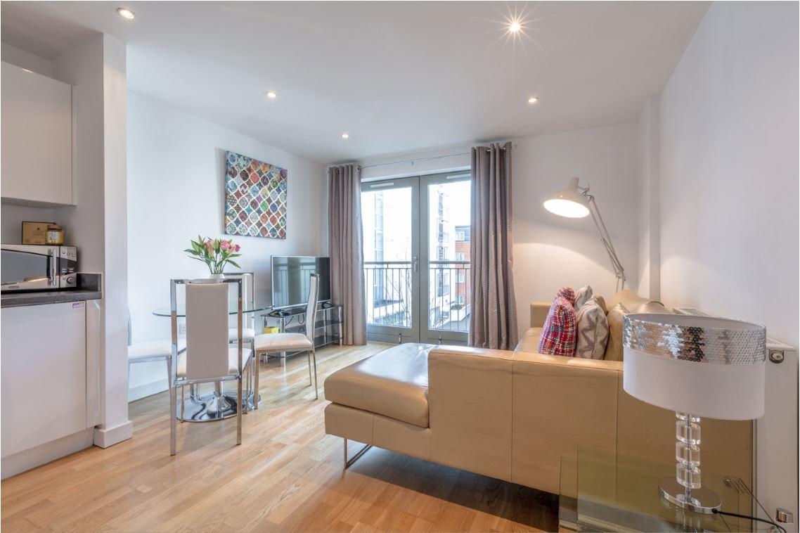 Lounge at Castle Quay Apartments, Centre, Bedford - Citybase Apartments