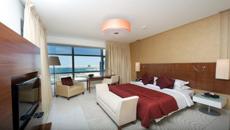 Double bedroom at Fraser Suites Doha - Citybase Apartments
