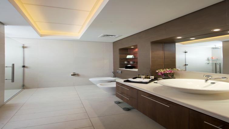 Bathroom at Fraser Suites Doha - Citybase Apartments
