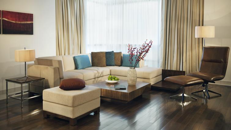 Living area at Fraser Suites Doha - Citybase Apartments