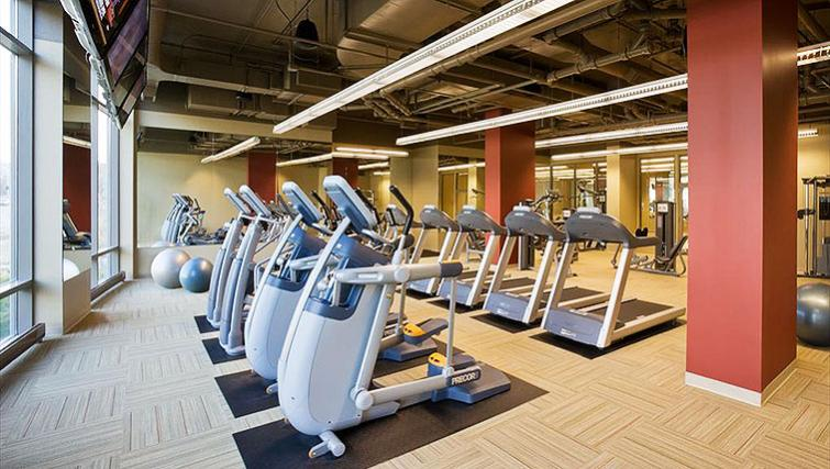 Gym at Clark Street Apartment - Citybase Apartments