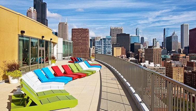 Communal roof top at Clark Street Apartment - Citybase Apartments