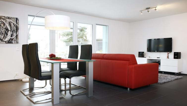 Dining area at Bahnhofstrasse Apartments - Citybase Apartments