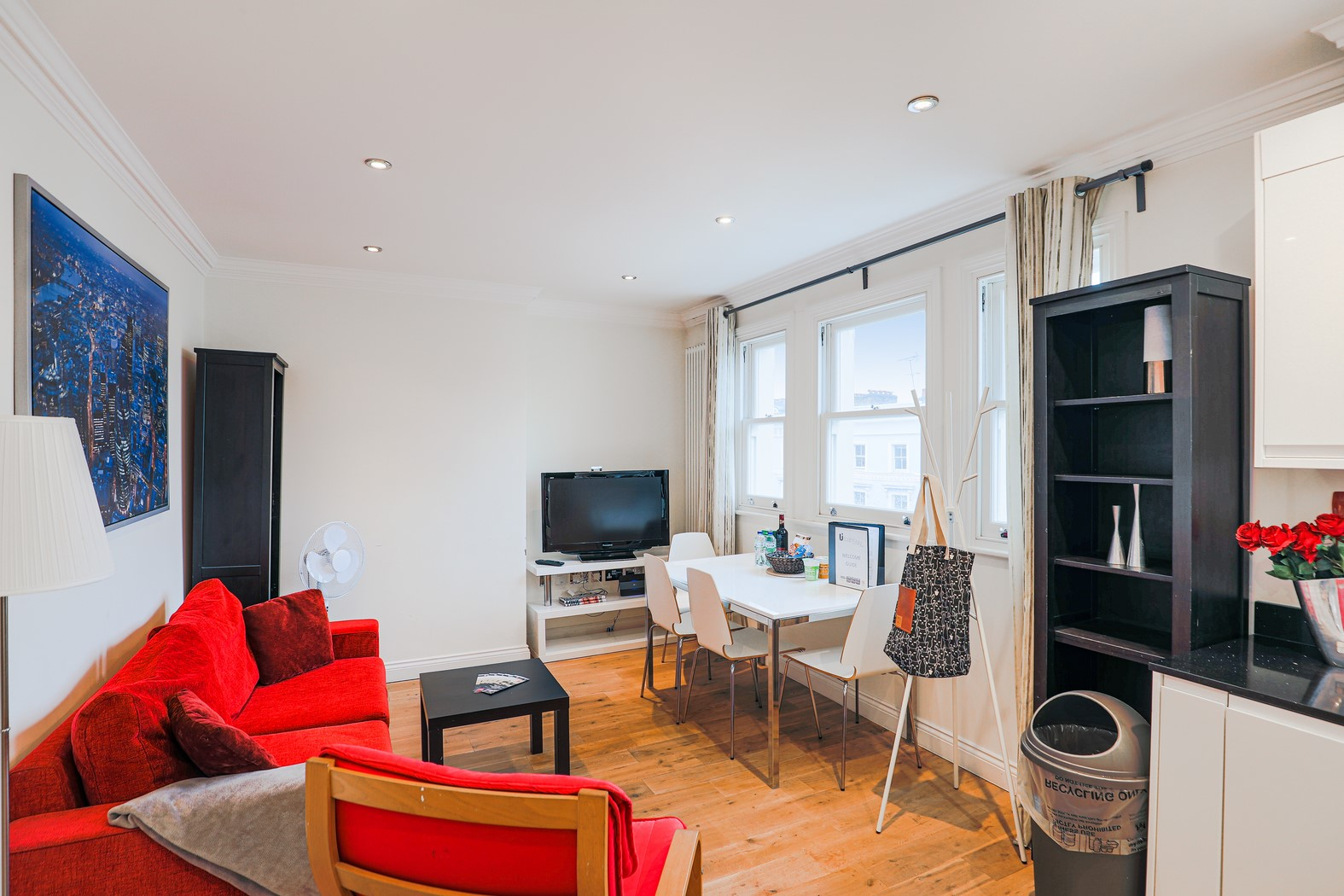 Living area at  at Notting Hill Ladbroke Grove Apartments, Ladbroke Grove, London - Citybase Apartments