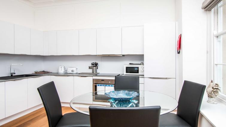 Dining area at Beaufort House Apartments - Citybase Apartments