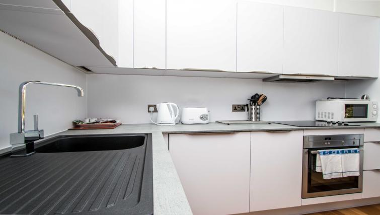Kitchen at Beaufort House Apartments - Citybase Apartments