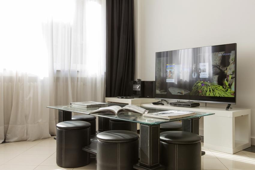 Coffee table at Villa Serena Apartments - Citybase Apartments