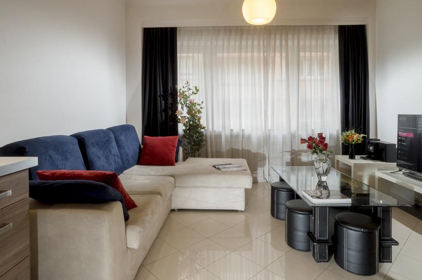 Living room at Villa Serena Apartments - Citybase Apartments
