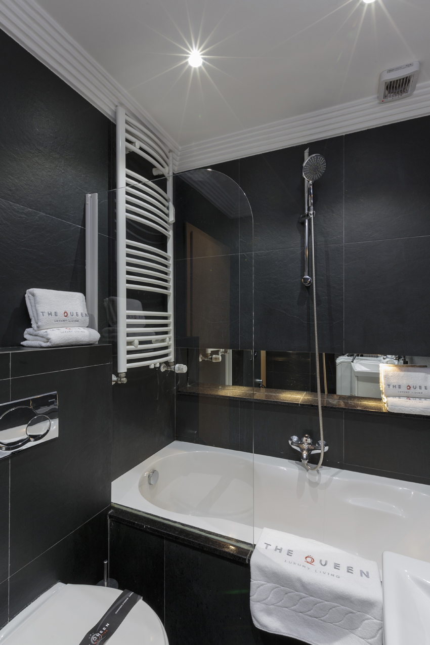 Modern bathroom at Villa Serena Apartments - Citybase Apartments