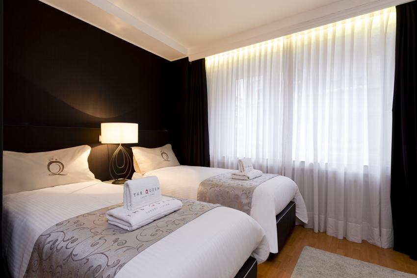 Twin room at Villa Serena Apartments - Citybase Apartments