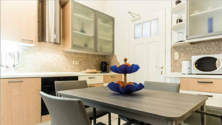 Kitchen at Villa Gemma Apartments - Citybase Apartments