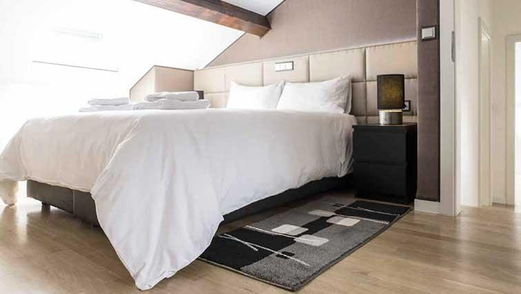 Double bed at Gemma Apartment - Citybase Apartments