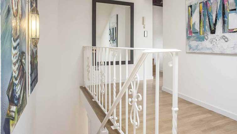 Hallway at Gemma Apartment - Citybase Apartments