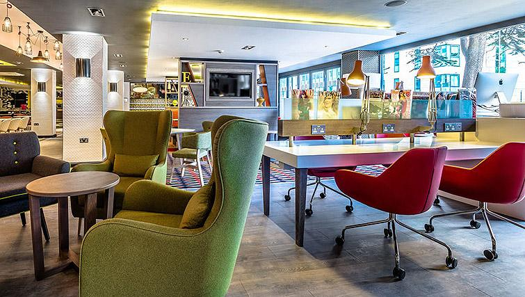 Communal space at Watford Junction Apartments - Citybase Apartments