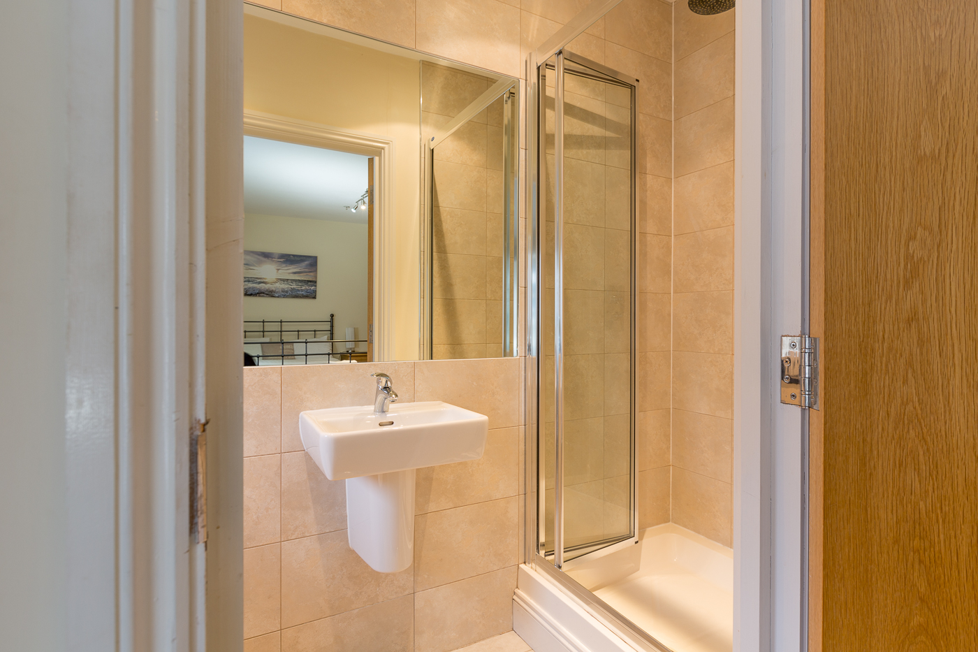 Shower at Castle Mews Apartment, Centre, Bedford - Citybase Apartments