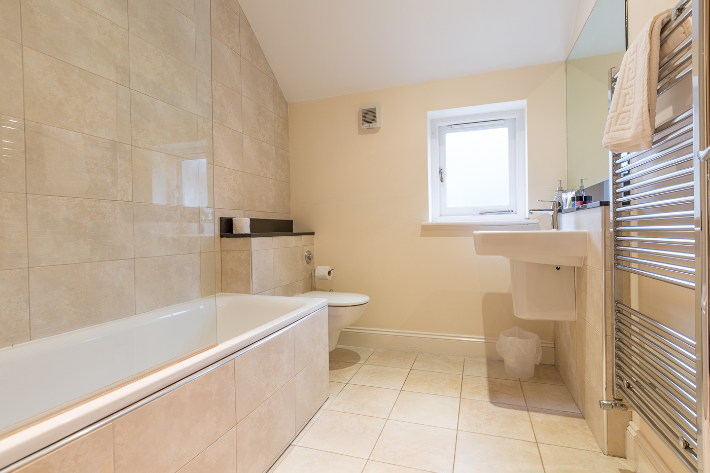 Bathroom at Castle Mews Apartment, Centre, Bedford - Citybase Apartments