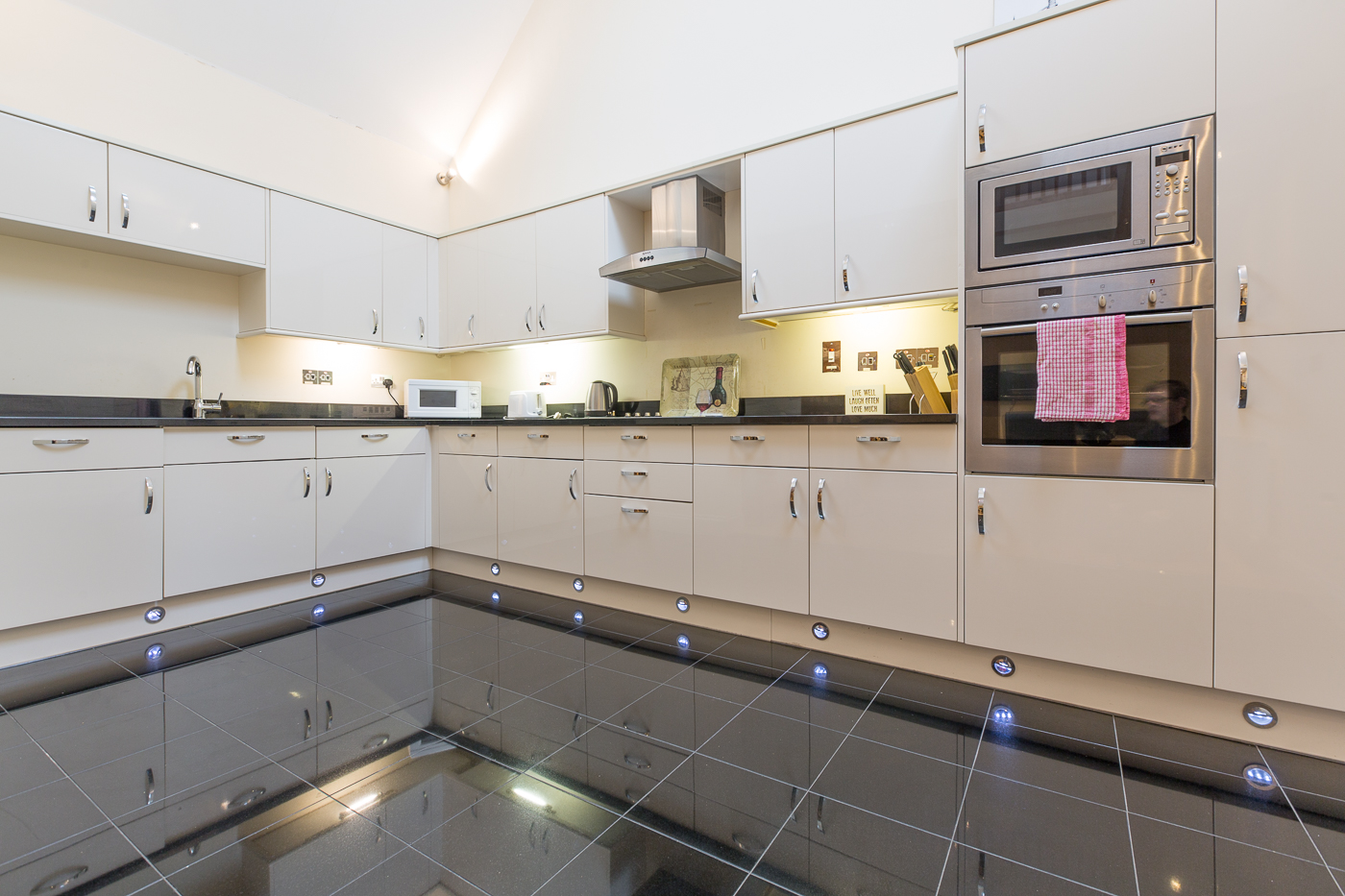 Kitchen at Castle Mews Apartment, Centre, Bedford - Citybase Apartments