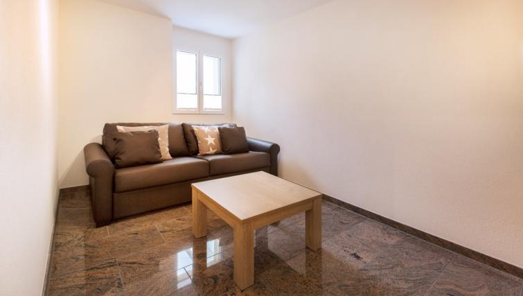 Living room at Stampfenbachstrasse Apartments - Citybase Apartments