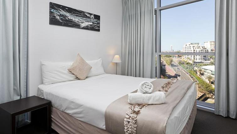 Bedroom in 1 bed at Mantra on the Quay - Citybase Apartments