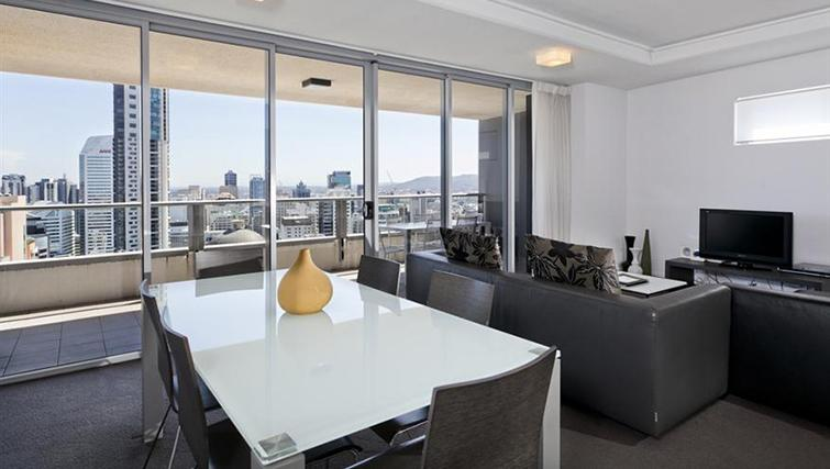 Dining area in 3 bed at Mantra on the Quay - Citybase Apartments