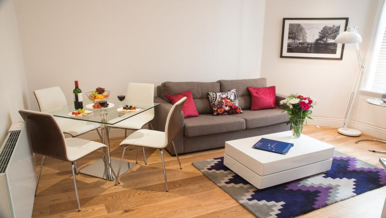 Living room at Clarendon Burleigh Mansions - Citybase Apartments