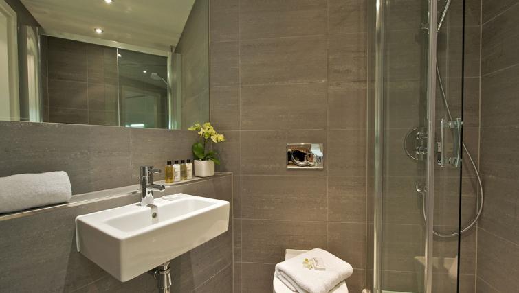 Bathroom at Fraser Residence City London - Citybase Apartments