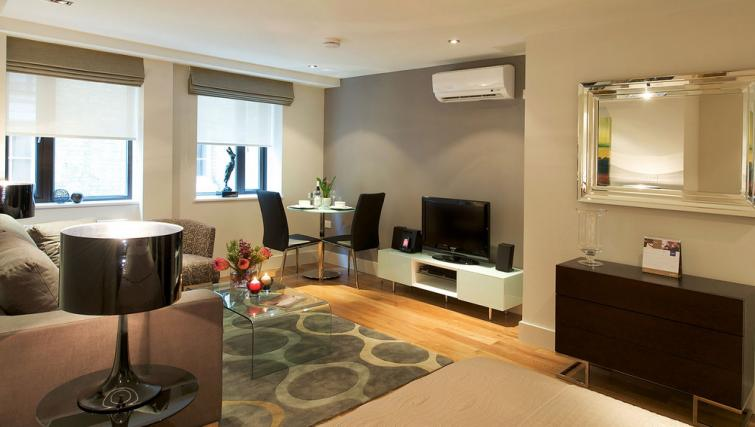 Living area at Fraser Residence City London - Citybase Apartments